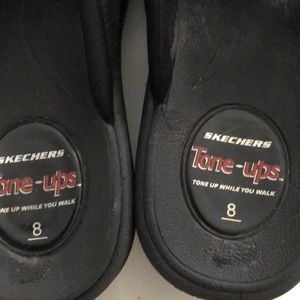 Sketchers Sandals Black white
